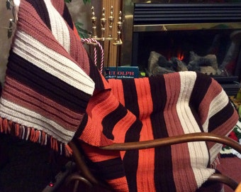 Vintage hand made crocheted afghan blanket throw. Excellent free ship to US