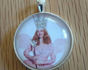 Glinda Pendant-Glinda Keychain-Glinda Necklace-Good Witch-Wizard of Oz-Inspirational-30mm Glass Dome-Shiny Silver Round Tray-Rolo Chain