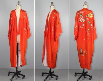 embroidered kimono / vintage robe / EVENING SONG floral dressing gown