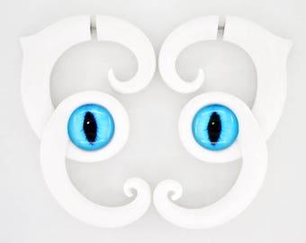 Kawaii Cat Earrings Cat Ear Plugs and Fake Gauge Earrings Menhera Disney Ear Plugs Cat Lover Gift Cat Jewelry Cat Face Fairy Kei Fake Plugs