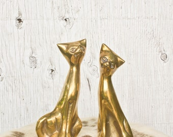 Pair of Brass Cat Figurines - Two Brass Cats - Vintage Home Decor - 70s Decor - Shelf Decor - Cat Lover Gift - Sitting Cat Statues