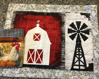 Barn & Chicken Placemats-Napkins/ 4 placemats-4 napkins/Barns -Windmills/Handmade/ Quilted placemats/Farm Decor