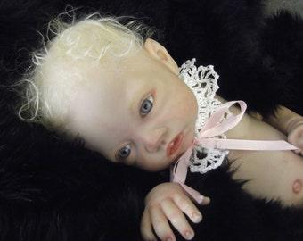 Crochet Baby Collar,White Baby Collar, White Lace Collar, Handmade Baby Collar,Newborn Baby Collar, Newborn Photo Prop, Baby Girl Collar
