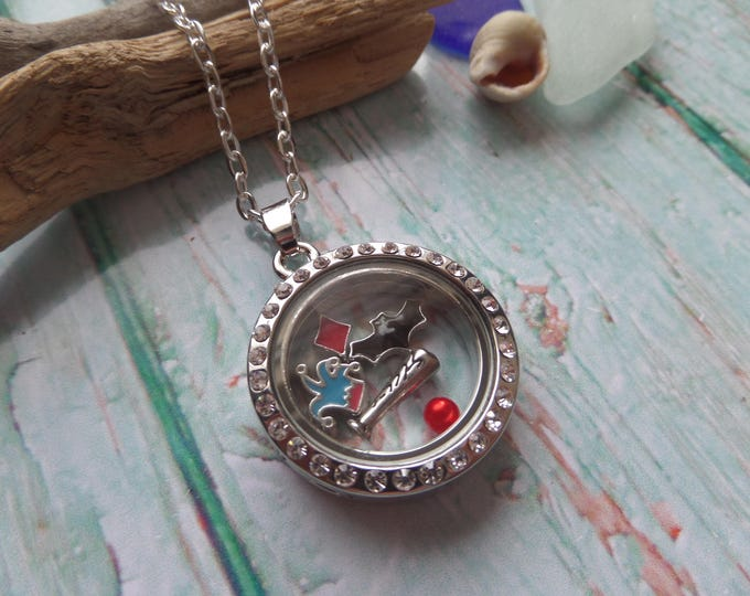 Suicide Squad floating locket, quinn locket, squad jewelery, suicide squad gift, floating charms, glass locket, fandom gift, sandykissesuk