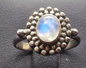Vintage Rainbow Moonstone Sterling Silver Ring