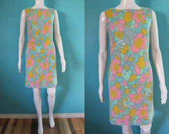 60's Dress    60's Linen Blend Pastel Floral Print Shift Dress