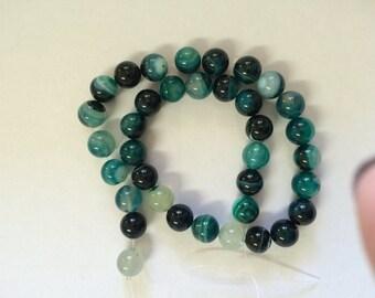 367- Perle d'agate naturel ronde 10mm,  trou 1.2mm  (1 corde)