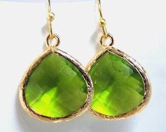 Gold Apple Green Earrings, Glass Earrings, Green Apple, Peridot, Bridesmaid Jewelry, Bridesmaid Earrings, Bridal Jewelry, Bridesmaid Gifts
