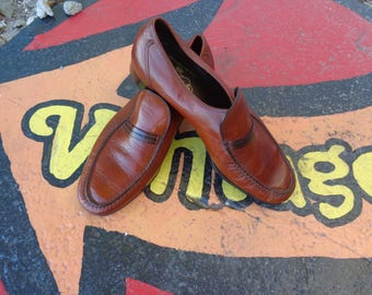 VINTAGE 1970's Mens Florsheim Brown Loafers - available