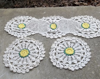 Vintage Yelow Daisy Crochet Doilies Crochet Lace Table Runner Set of 3 Cottage Chic Bridal Shower  Wedding Decor Table Settings Table Runner