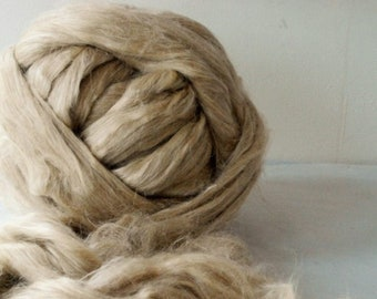 APPLEOAK FLAX & SILK Blend ~ a 50/50 blend of natural Flax and Vegetarian Tussah Silk ~ spinning fibre