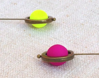 Discounted fluorescent pendant earrings, discount gift