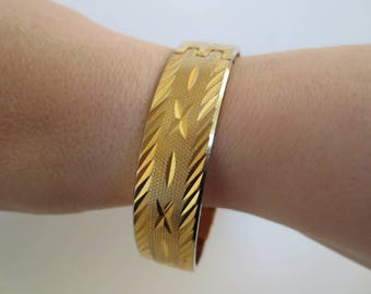 Vintage Goldtone Hinged Etched Bangle Bracelet Diamond Cut Patterns with Safety Chain 1970s 1980s Costume Jewellery Jewelry Gift