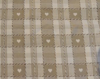 Beige and white hearts and checkered cotton fabric coupon