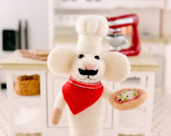 Enzo the Pizza Maker - Needle Felted Mouse Chef with Pizza