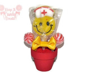 Red Nurse Smiley Face Mini Lollipop Arrangement, Nurse Gift,Idea, Small Gift, Nurse Appreciation, Nursing School Graduation, Doctor Gift