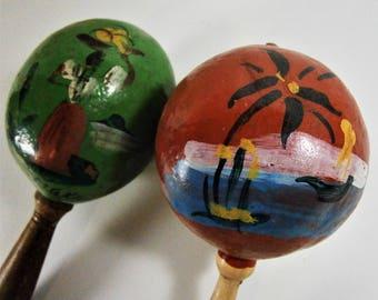 Vintage Maracas / Handmade Handpainted Maracas / Vintage Mexican Maracas