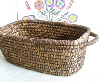 antique basket. vintage basket.  Antique Primitive 19th Century. rustic kitchen. rustic basket. Handmade. kitchen decor. basket. Home Decor