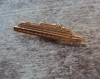 Goldtone ocean liner boat metal brooch