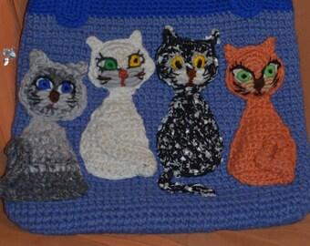Sacs tricotés avec différents chats mignons