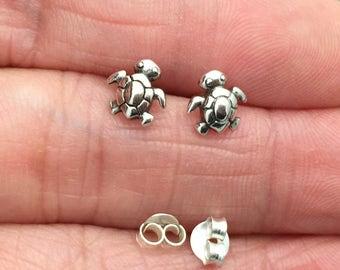 Sterling Silver Sea Turtle Stud Earrings, Tiny Turtle,  Cartilage Earring, Turtle Tragus earring, cartilage stud, Helix earring