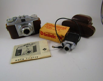 Vintage Agfa Silette Camera with flash and case