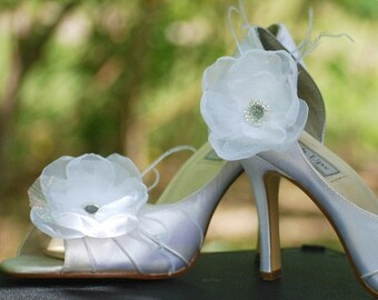 Wedding White or Ivory & Opal Organza Flower Shoe Clips. Bride bridal couture, elegant trendy gift idea, fabulous rockabilly dainty feminine