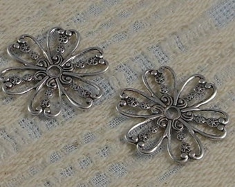 LuxeOrnaments Small Antique Sterling Silver Plated Brass Filigree Floral Connector 23mm (Qty 2) S-2822-S