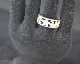 925 Sterling Silver Floral Ring- Size 7 1/2