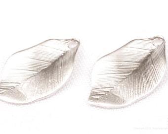 P776-MR// Matt Original Rhodium Plated Brush Textured Leaf Pendant, 4 pcs