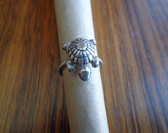 Turtle silver ring.