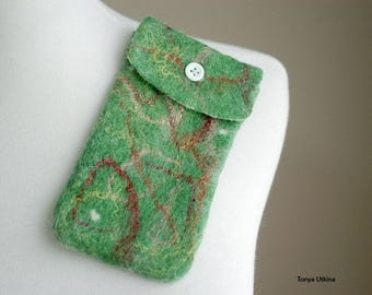 Hand felted phone case in green