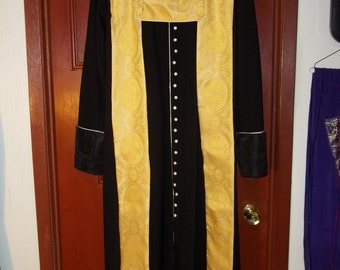 Custom Made, two sided, robe length, collared Clergy Shawl. Has Backchain neck support, 4button front closure with White tassel and Fringe.