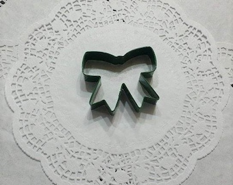 Ribbon Cookie Cutter (Wilton Brand)