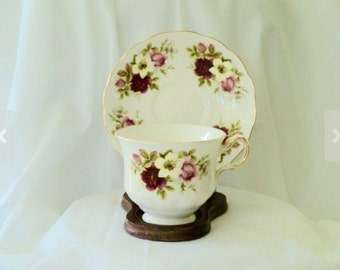Vintage Tea Cup Queen Anne Pink/Red Rose with Yellow Flower Teacup/tea cup