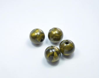 PE207 - Set of 4 green round pearls