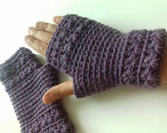 Crochet fingerless gloves: the star. 100% wool