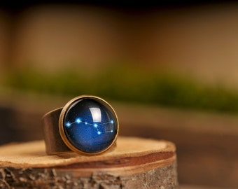Ursa Major bague, bague constellation, bague réglable, bague, anneau ciel de nuit, anneau laiton antique, un anneau en forme de dôme de verre, anneau d'étoiles