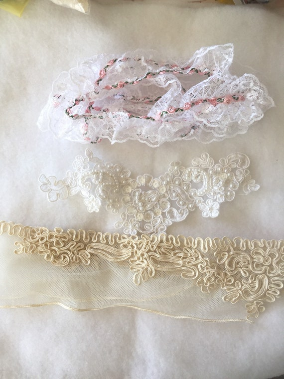 Vintage lace Collar, Wedding Applique and Rose Ekmbellished Lace