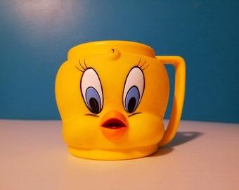 Vintage Tweety Bird plastic cup, Warner Bros 1992 collectible Tweety Bird mug