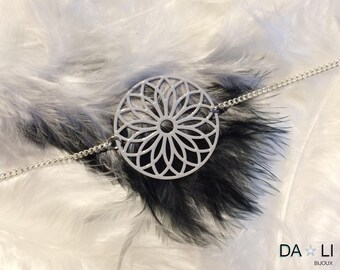 "Necklace ""Rosace"", light gray color"