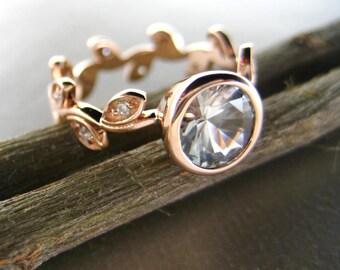 14k rose gold Verlobungsring mit Blättern und Diamanten. Einzigartige Blatt Verlobungsring. Weiß Saphir Blatt Verlobungsring. Rebe Ring.