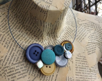 Choker necklace with vintage buttons, antique buttons. Gift Idea for her. Re-Fashion bijoux, Collier woman. Lovers buttons. Ooak