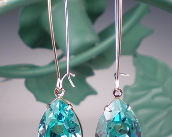 Teal Blue Bridal Necklace Sea Green Teardrop Bride Pendant