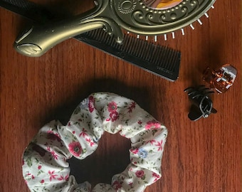 Muted Florals / SUMMER / Single Large Scrunchy / Hair Accessory / Scrunchies