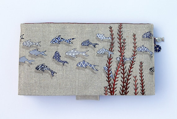 """Wallet in natural linen illustrated """"fish tiles"""""""