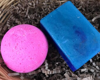 Bar and Bomb Bath Set - Contains 1 bar of long lasting handmade soap and 1 bath bomb - you choose the scent combinations.  Great gift idea