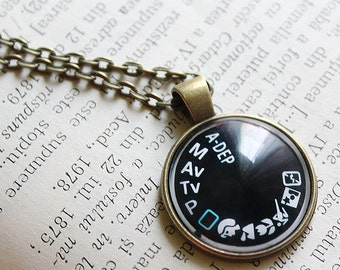 Camera Dial Pendant - Camera Dial Necklace - Gift for Photographer - Photographer Gift -Camera Jewelry - Photography Necklace