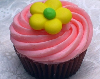 Soap Cupcake - Daisy Dreams Cupcake Soap - Dessert - Bakery - Party Favor - Spring - Easter - Sweet Soap - Fake Food - Novelty - Vegan
