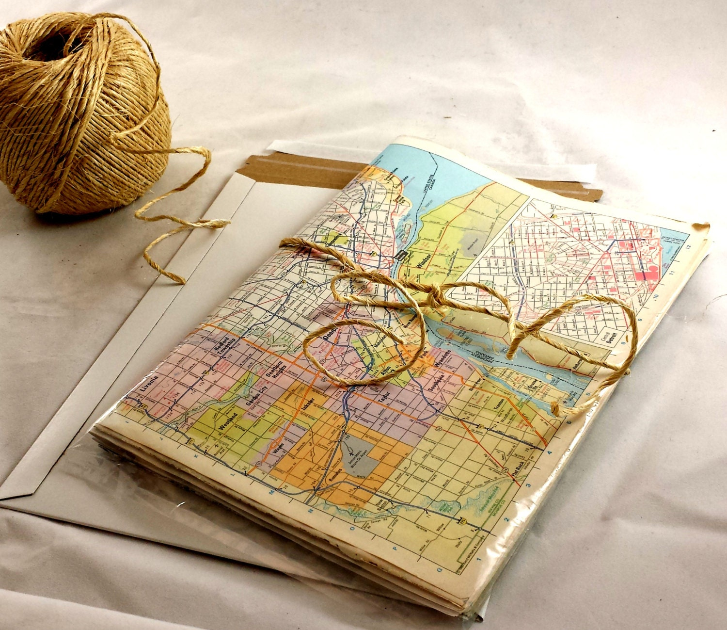 Vintage world map gift wrap world wide map wrapping paper 10 1499 gumiabroncs Gallery